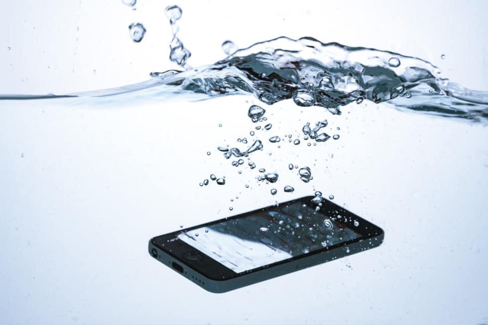 防水・防塵機能でGoogle Pixel 3/XLを水没させても安心