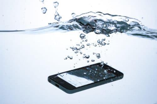 iPhone 7の耐水性能:プールの場合